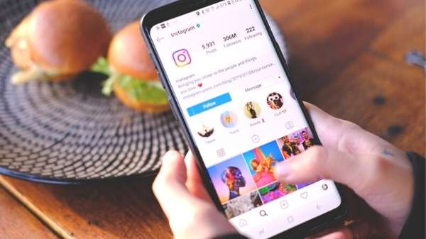 Use local hashtags on your Instagram posts